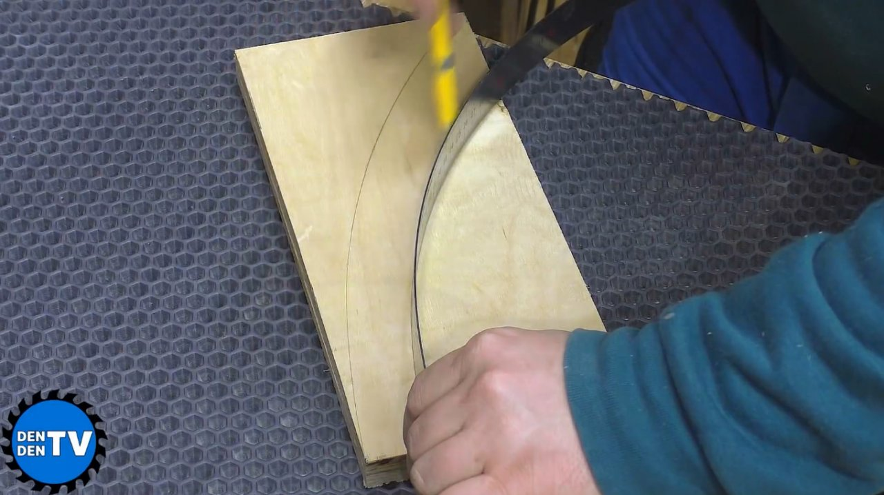 How to make a hand clamp for a circular saw