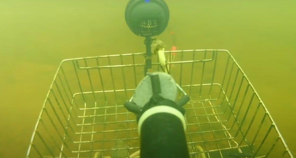 Подводный поиск самодельным роботом