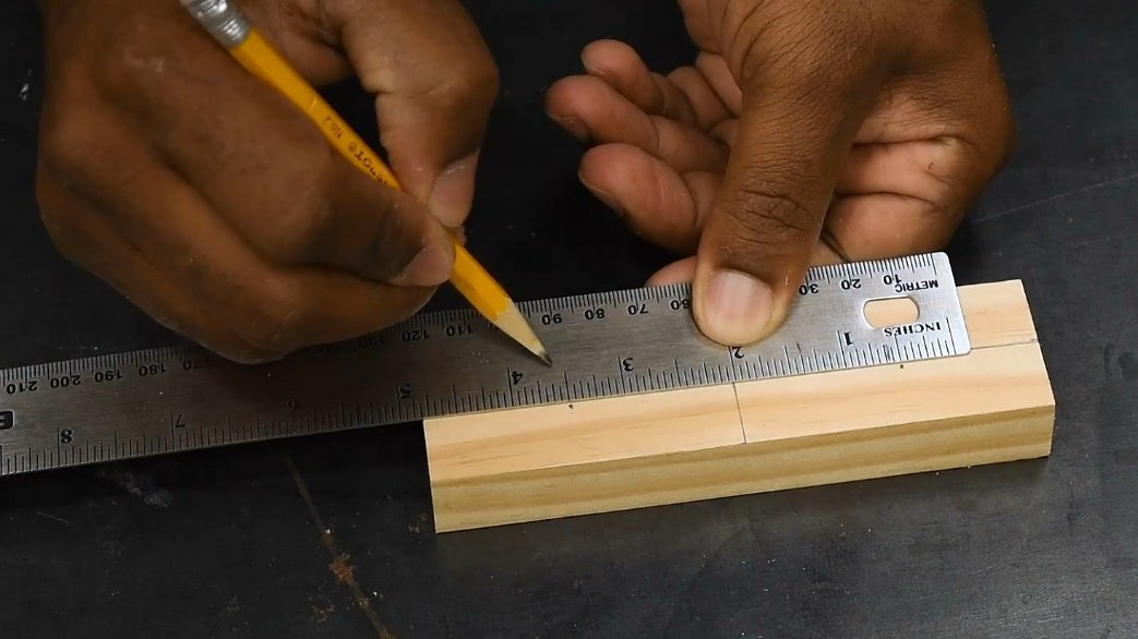 How to make the simplest marking gage