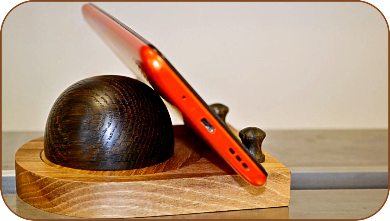 Do-it-yourself smartphone stand with tilt angle adjustment