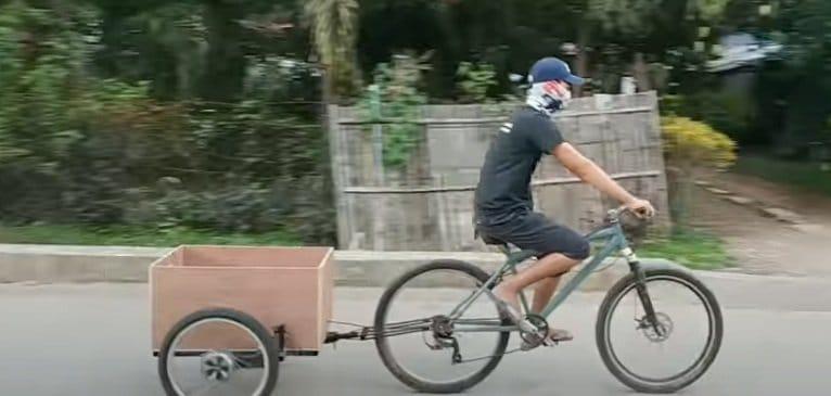 Motorized bike trailer