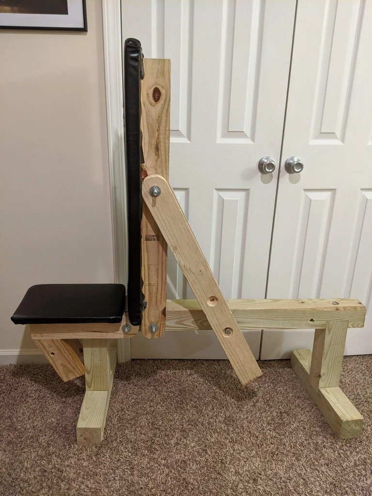 Adjustable strength bench with your own hands