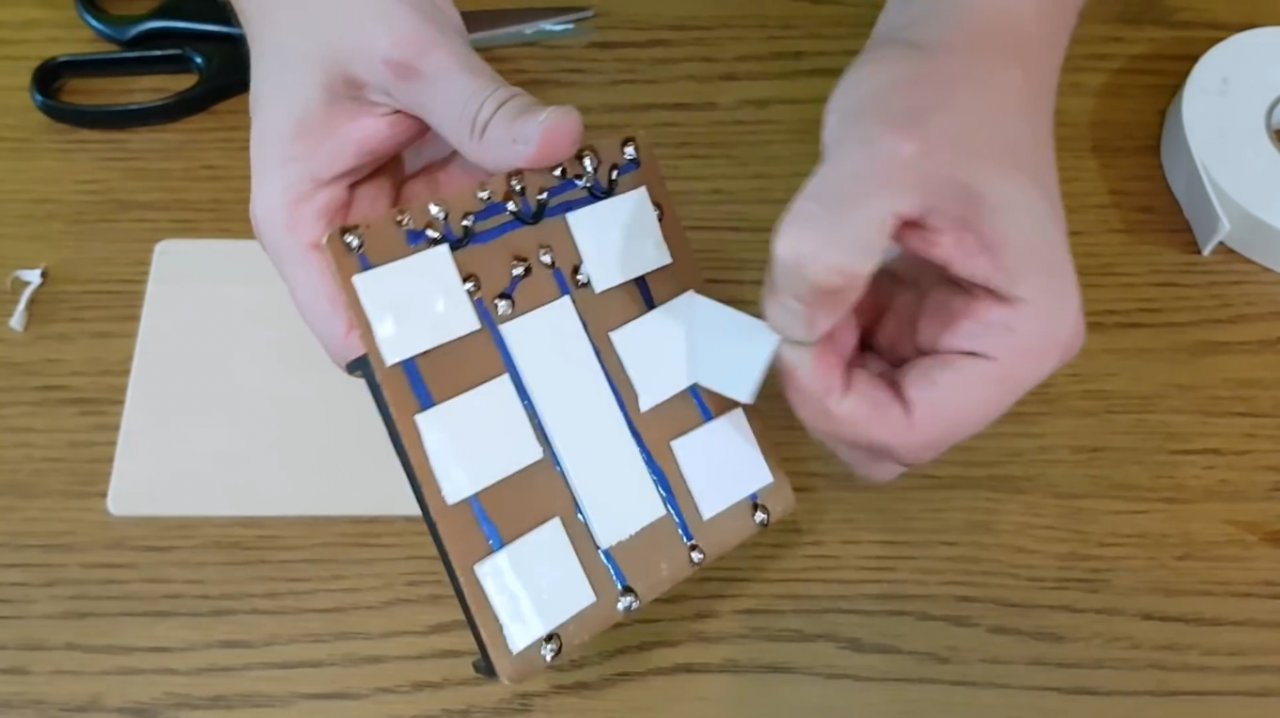 How to make a simple charger for 18650 Li-ion batteries