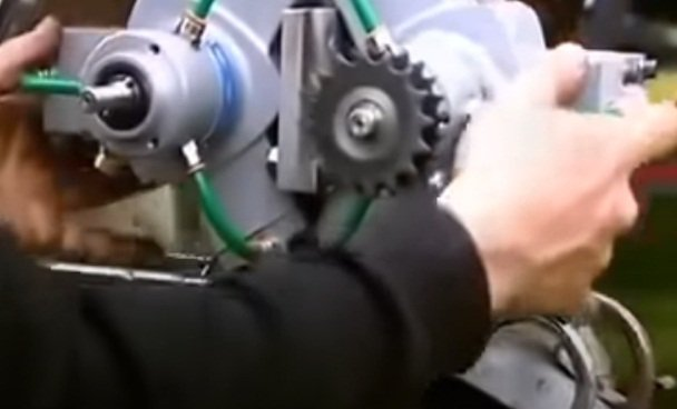 Compressed air moped