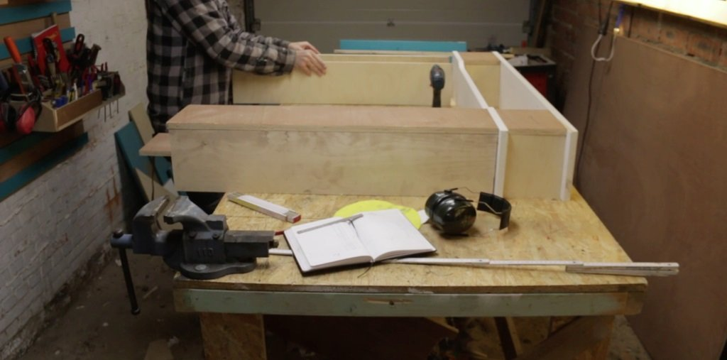 Do-it-yourself fake plywood