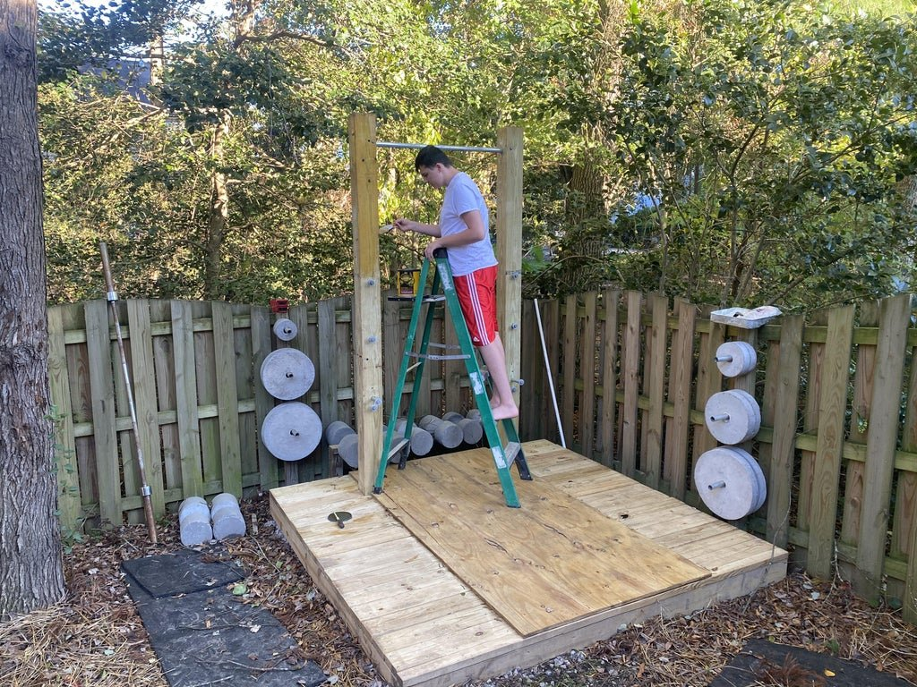 Sports corner for outdoor weightlifting