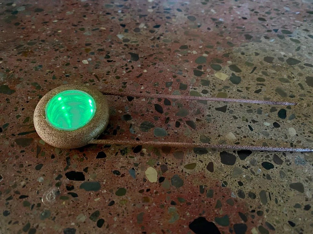 Copper barrette with an infinity mirror