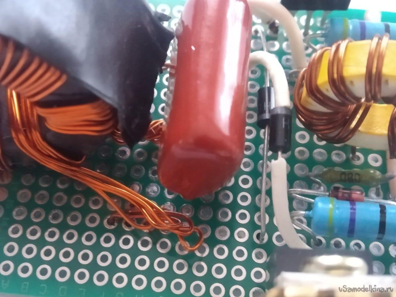 Mini spot welder with 12V supply