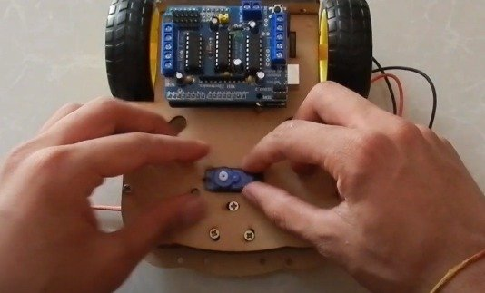 Cars with obstacle avoidance function