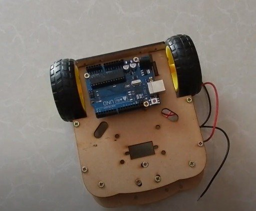 Auto with obstacle avoidance function