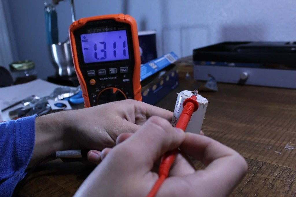 DIY rechargeable battery