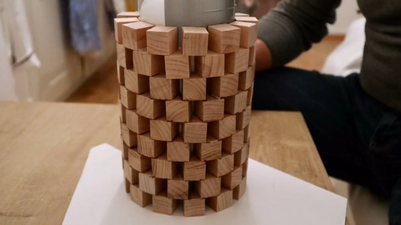 How to make a beautiful lamp out of scraps of wood