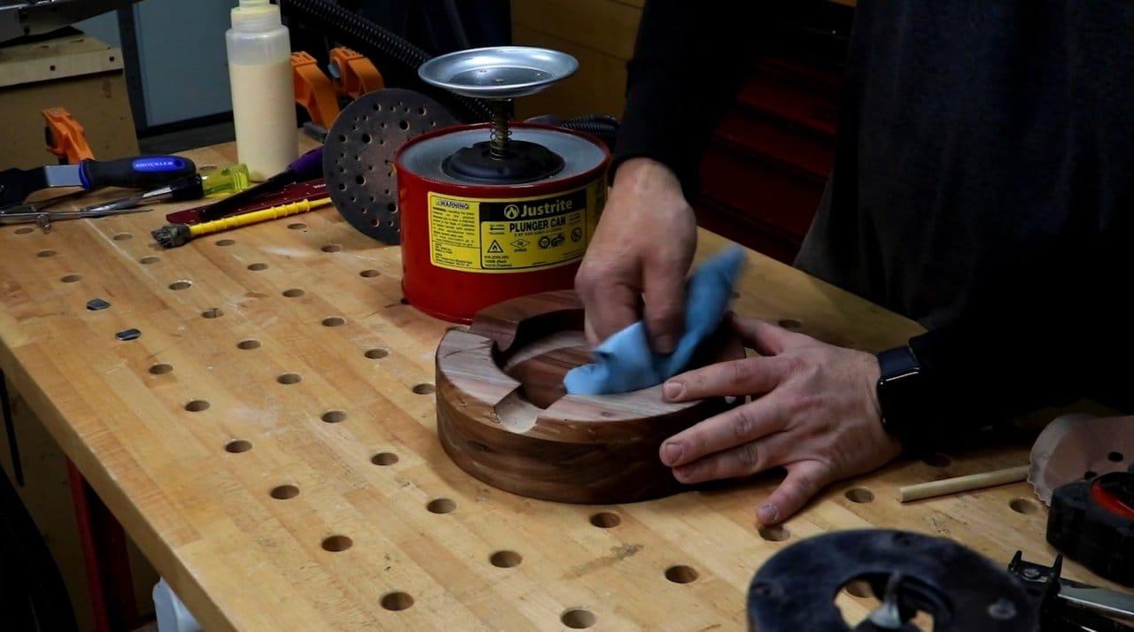 Cigar ashtray made of walnut board