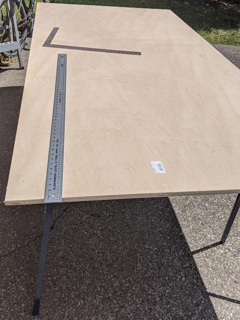 Swivel-folding table for board games