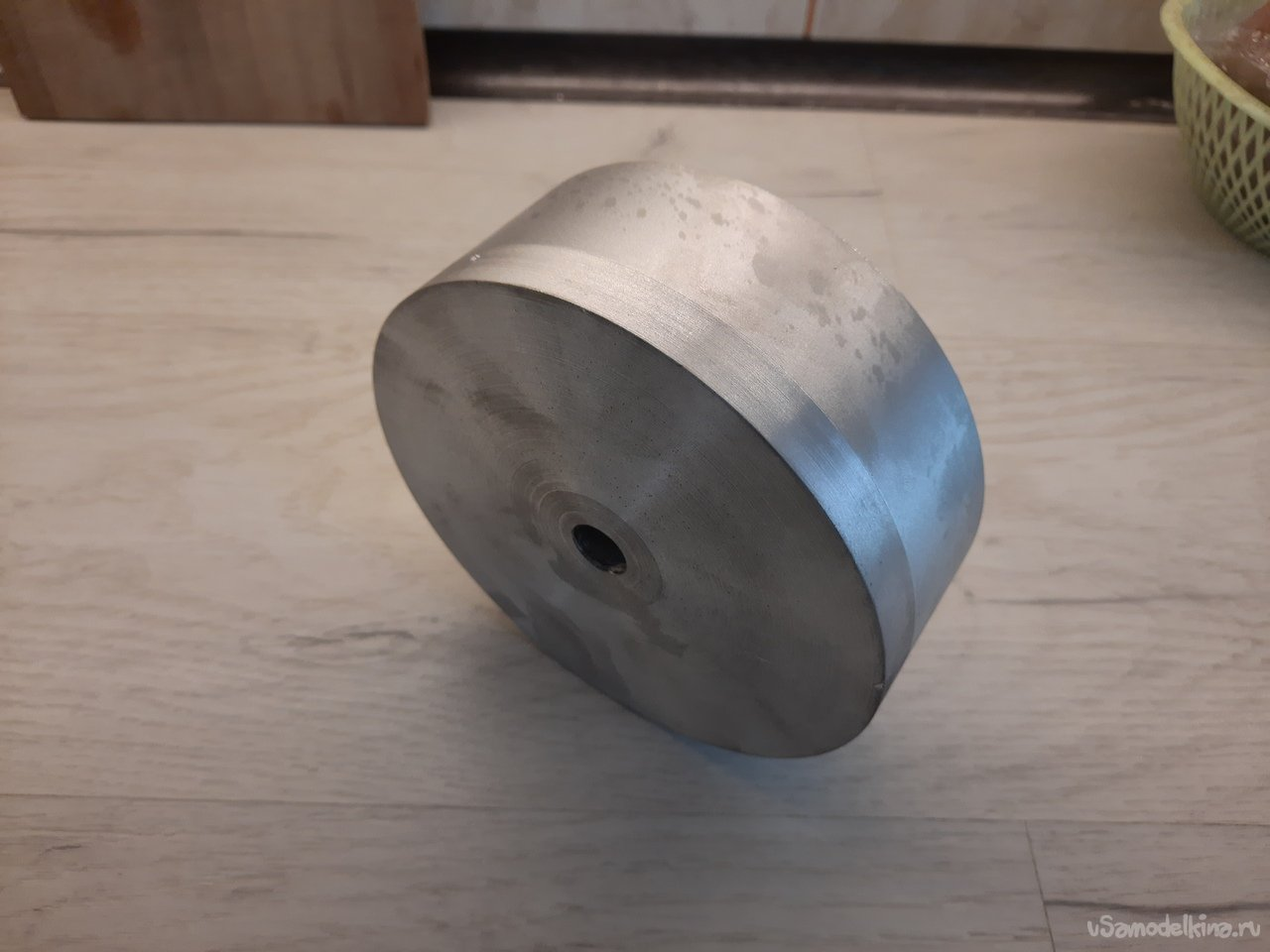 Casting rollers for a grinder or how I got it