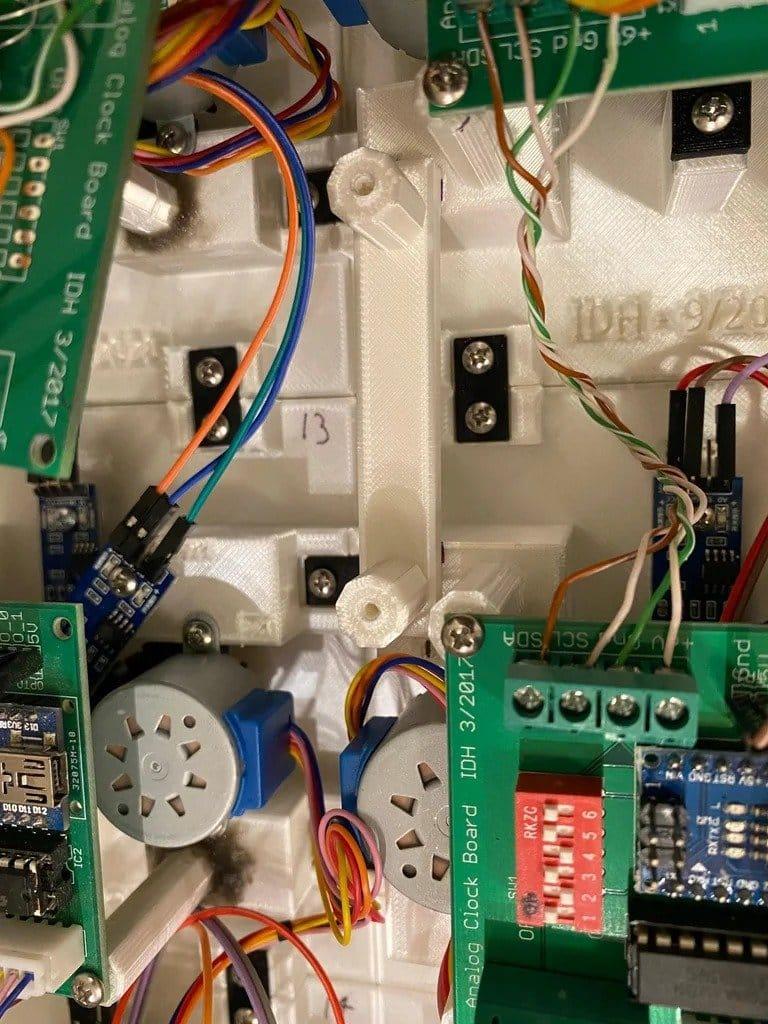 Электро-механические часы под управлением Ардуино
