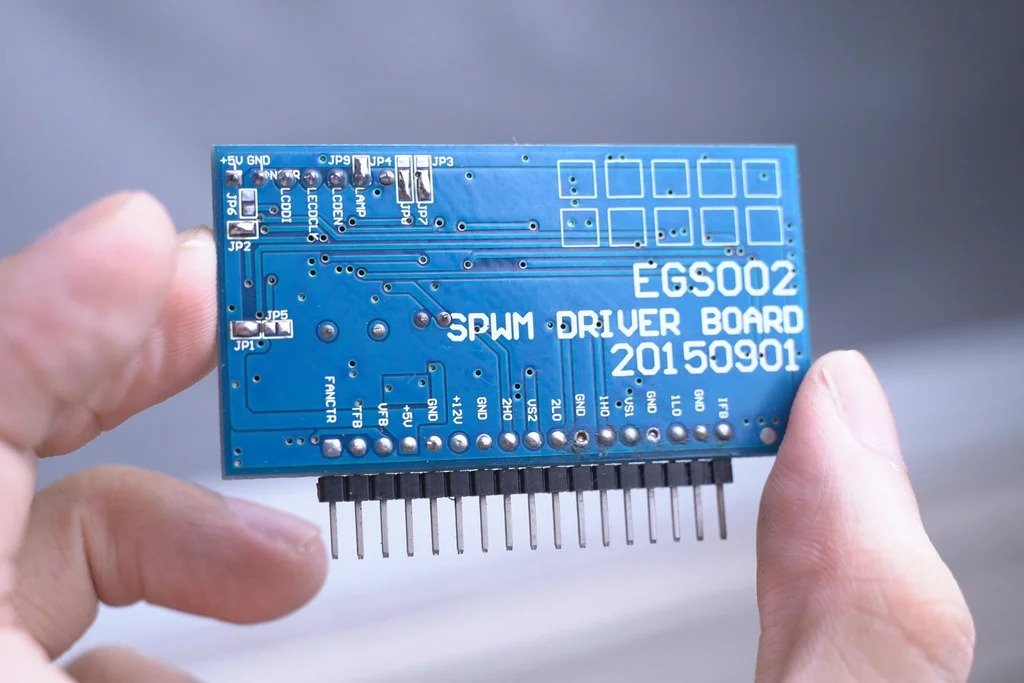 We are assembling a cheap inverter with a pure sine wave (from 12V to 110V/220V)