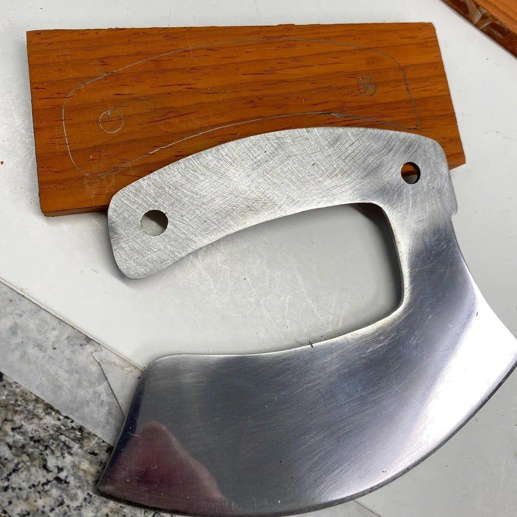 Ulu knife from a saw blade + cutting board