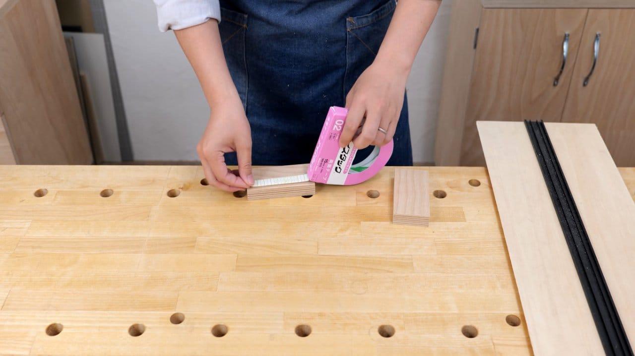 DIY sandpaper holder