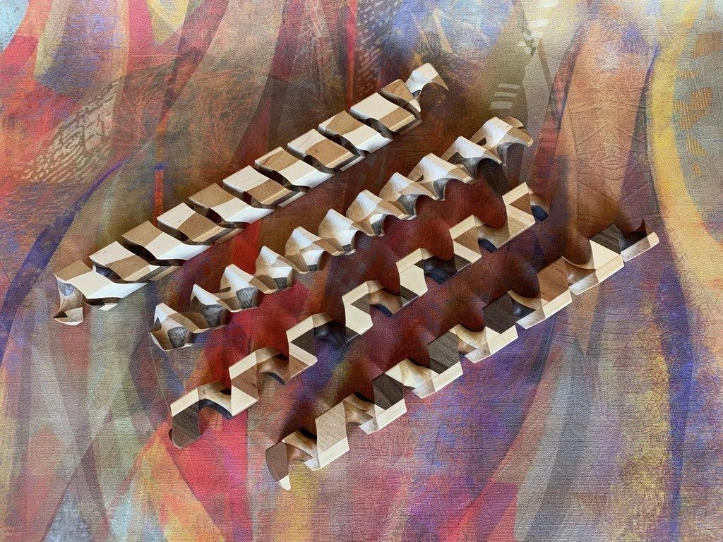 Wooden spirals and CNC-machine for their production