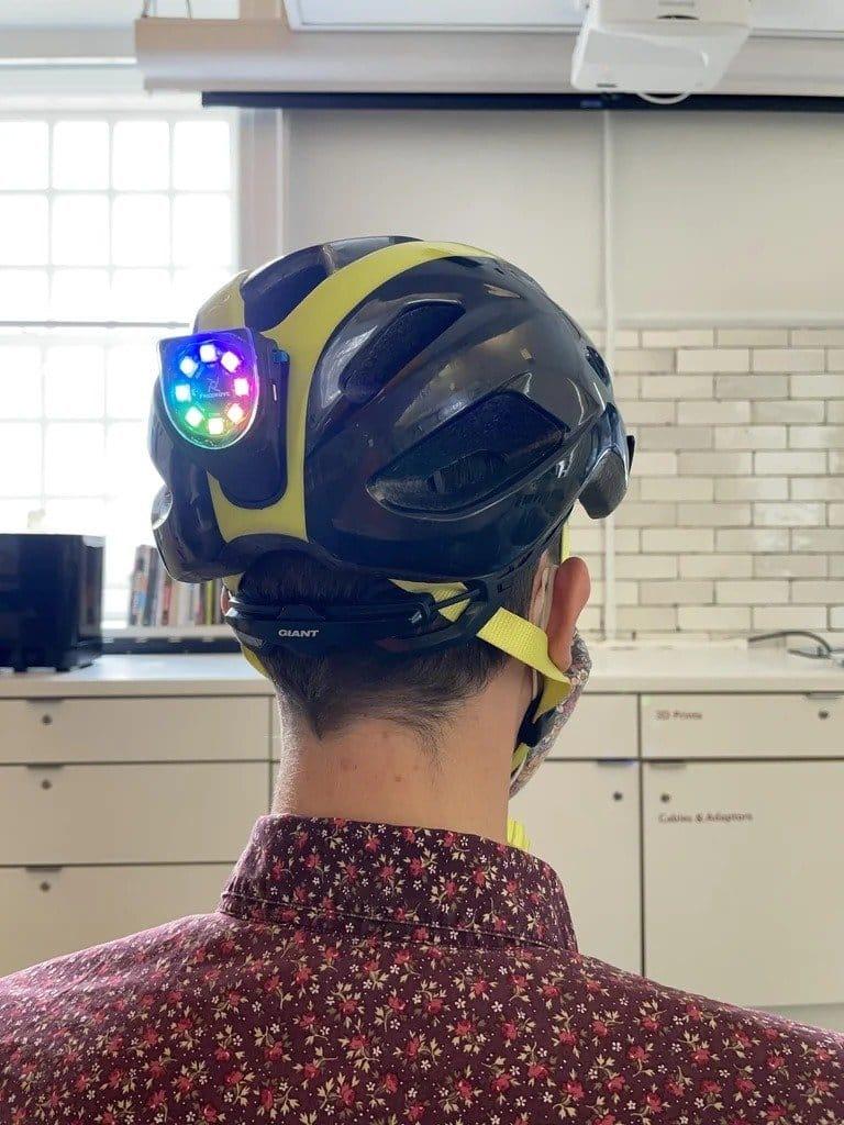 Side light for cyclist helmet