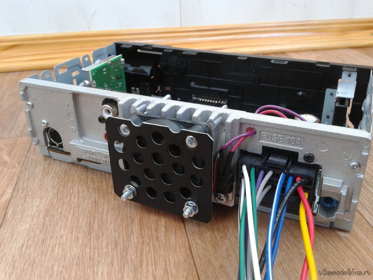 Modification of the car radio Sony DSX-A30E