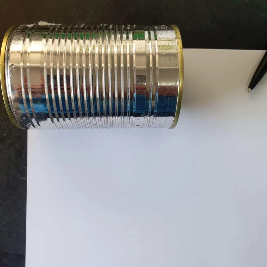 Homemade battery from a tin can and examples of its practical application