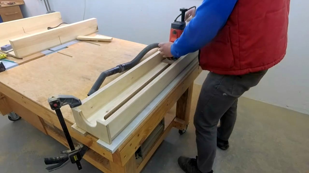 How to make a frame for planing with a hand router