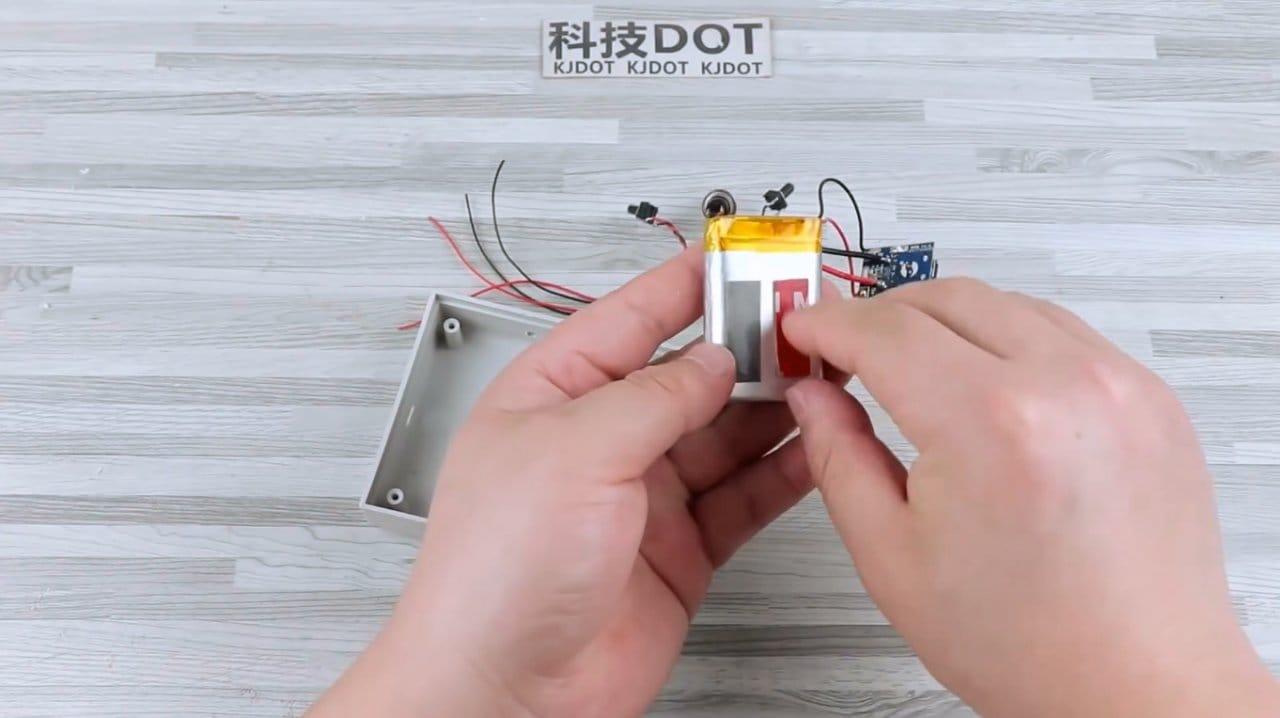 How to make a multi-colored (RGB) flashlight-lightbox