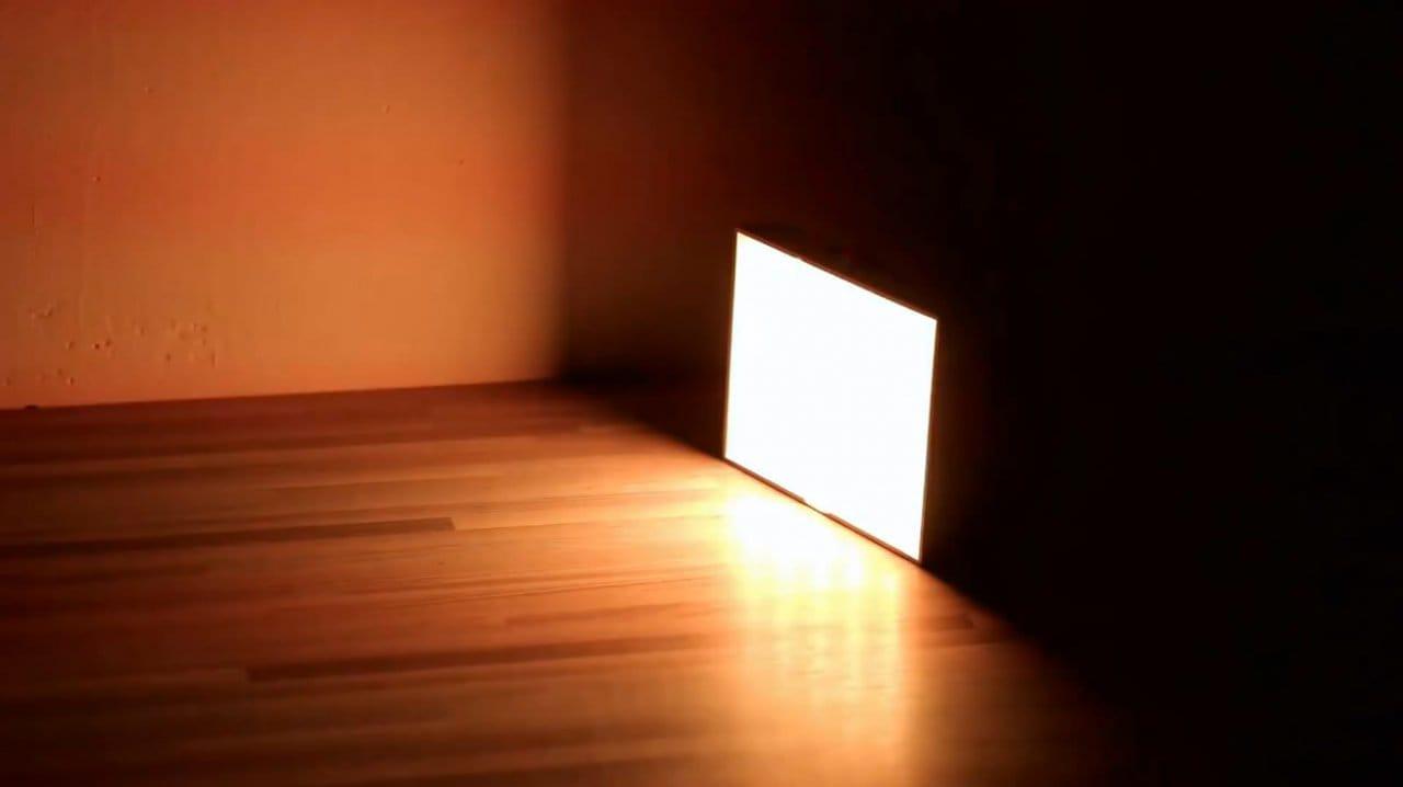 How to make a multi-colored (RGB) flashlight lightbox