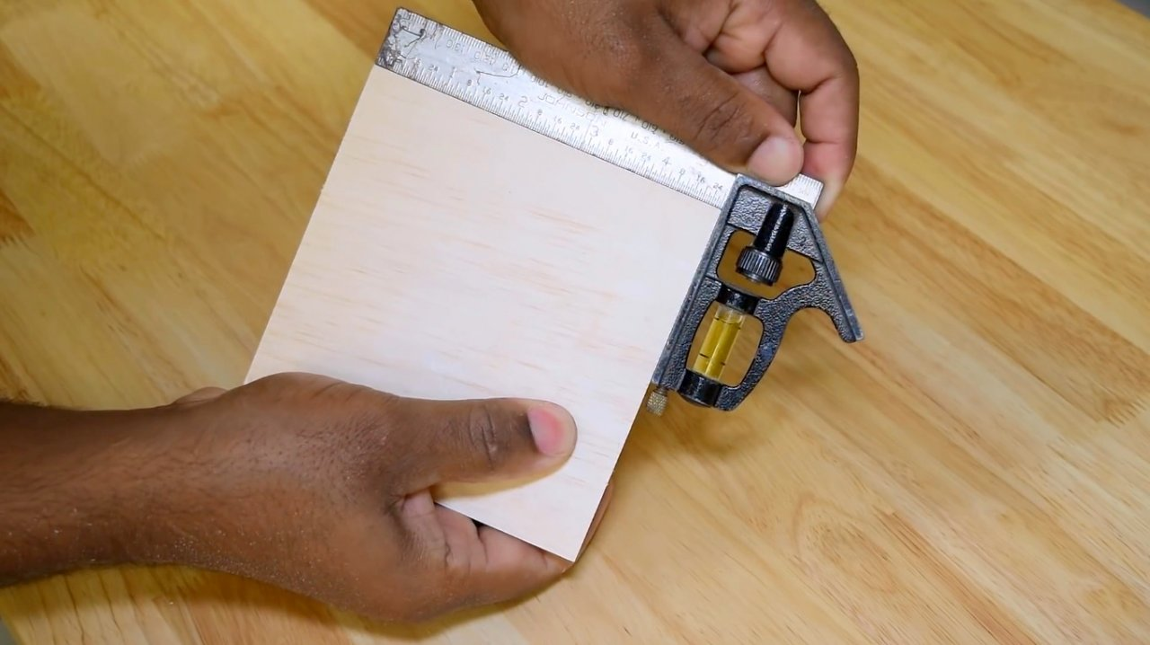How to make a simple carriage for a circular saw