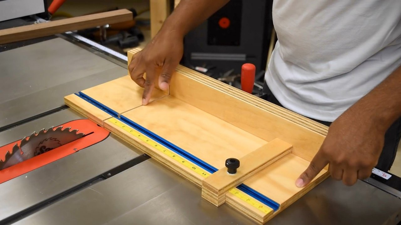 How to make a simple circular saw carriage