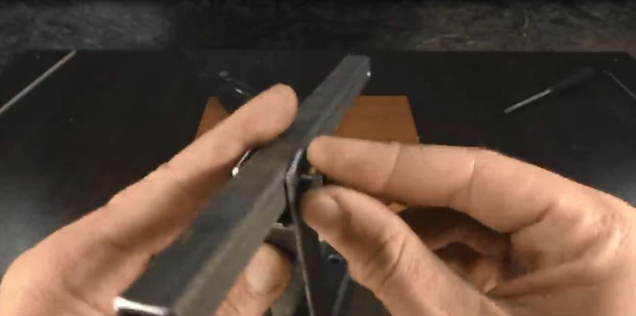 Jigsaw machine based on hair clipper