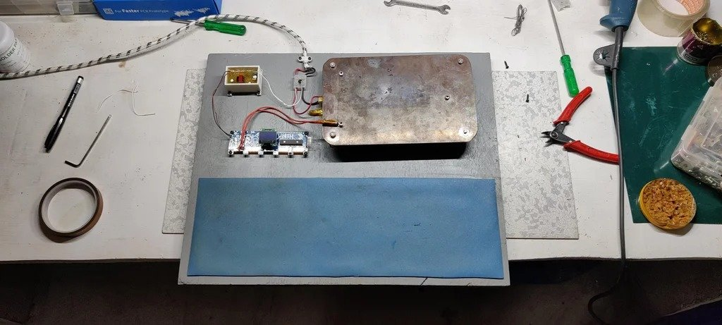 Iron for mounting printed circuit boards