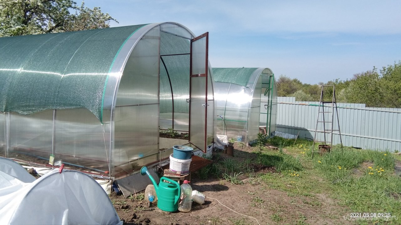 Polycarbonate greenhouse 3x6x2,1m in size