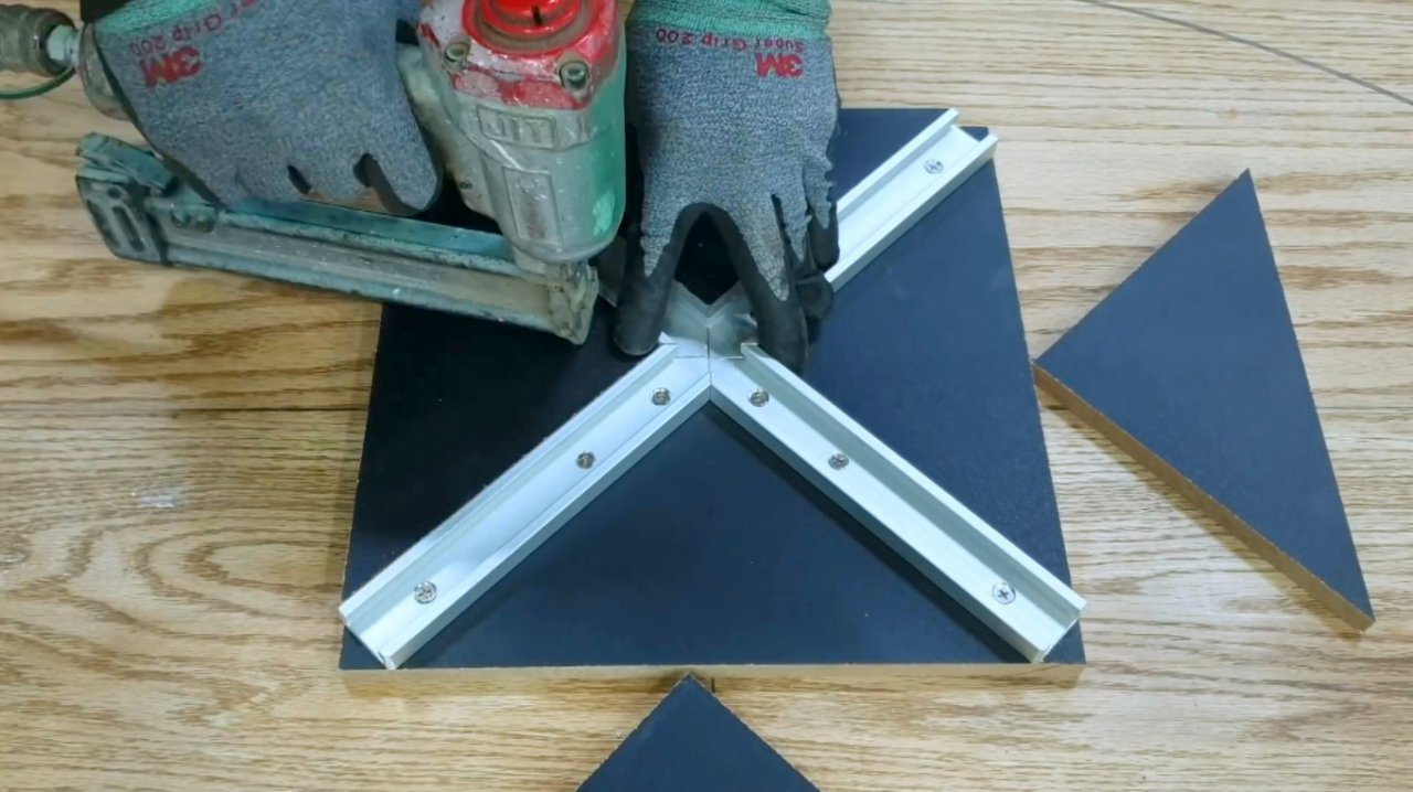 How to make a rig for cutting ovals with a router