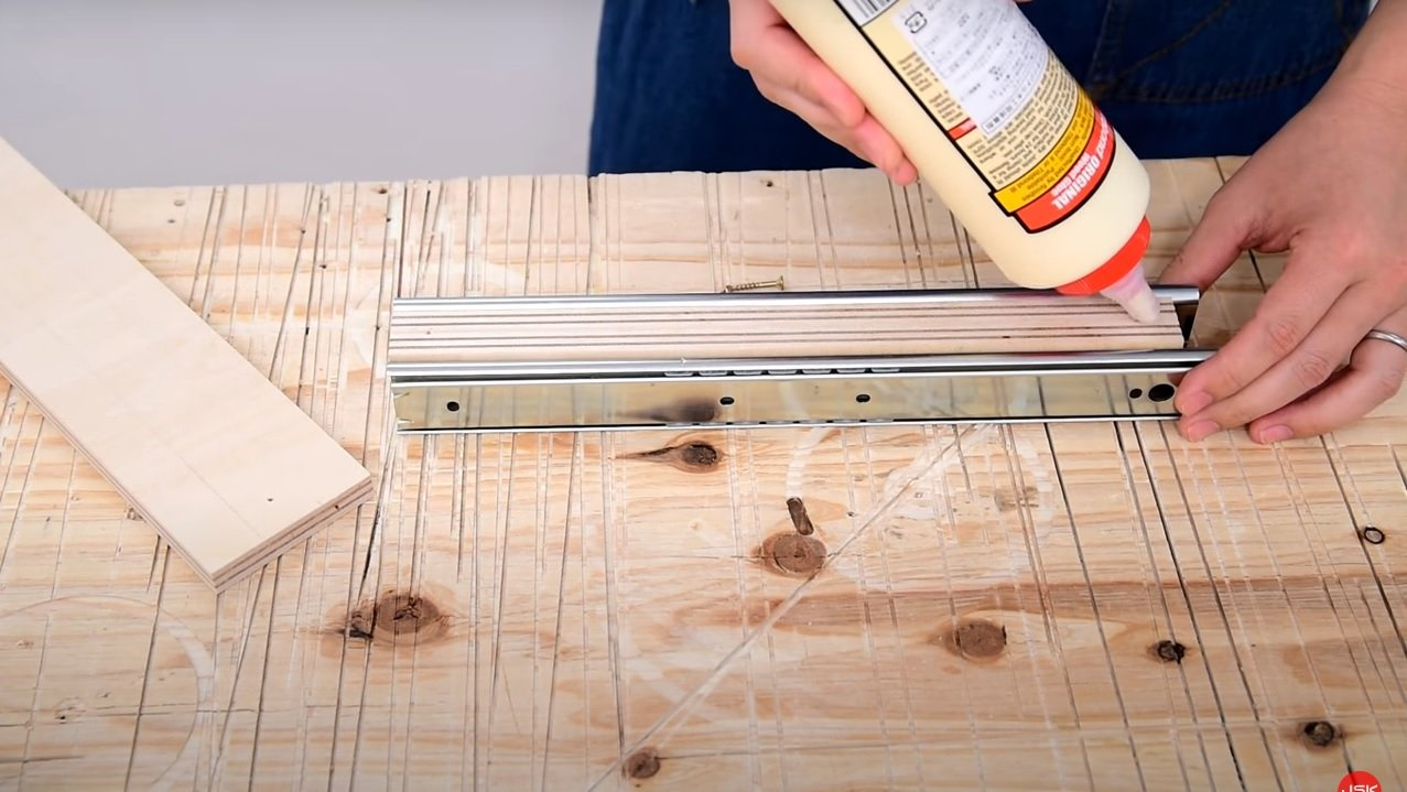 Wooden stand for electric drill