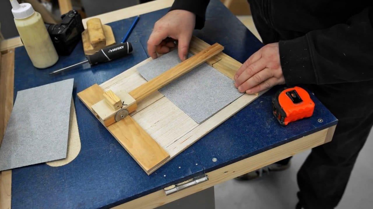 How to make a sandpaper cutter