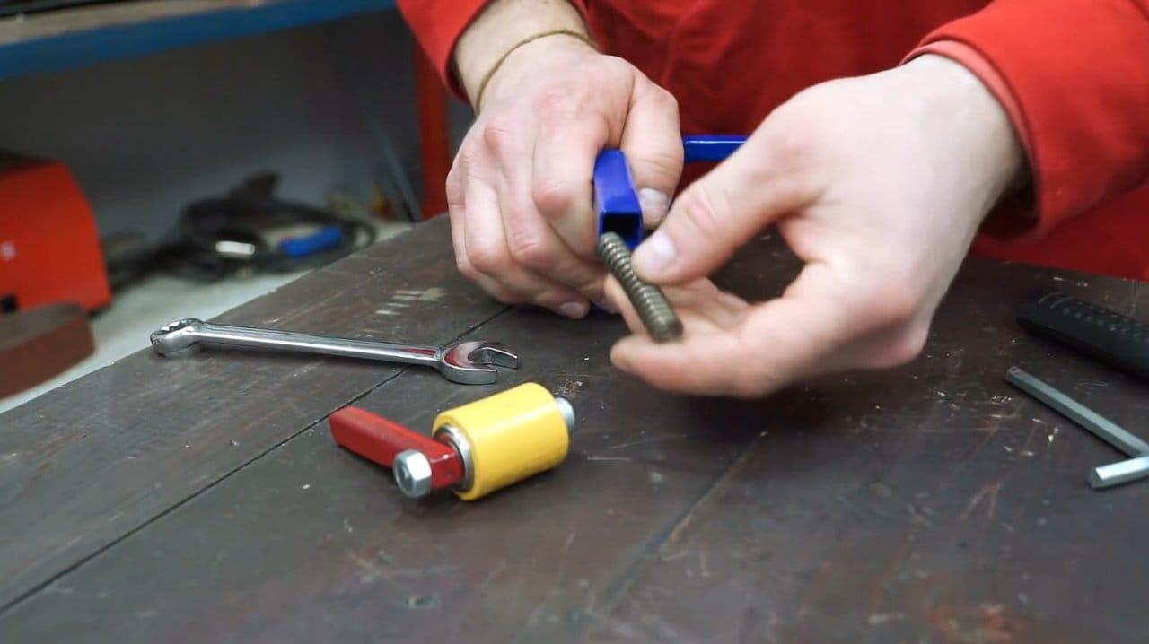 How to make a belt sander for a grinder (pipe grinder)