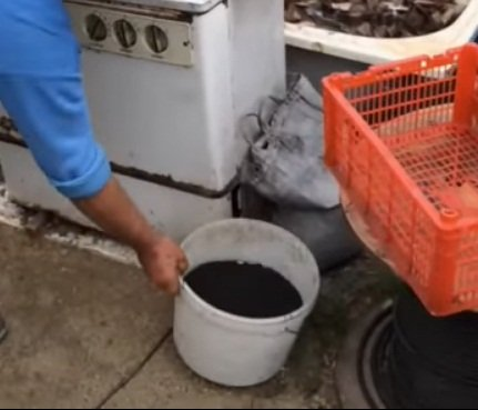Machine for forming freebies, or how to make briquettes