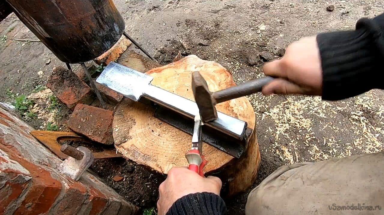 Mini anvil from rails