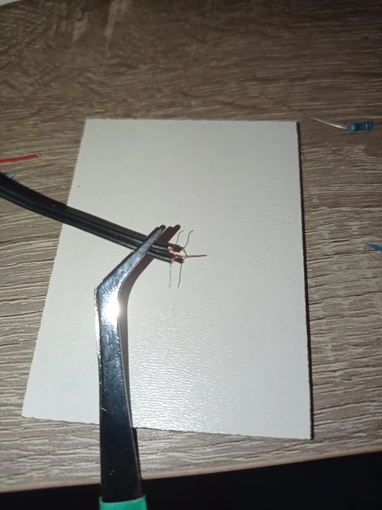 How to make a photophone with your own hands (transmitting sound through a beam of light)