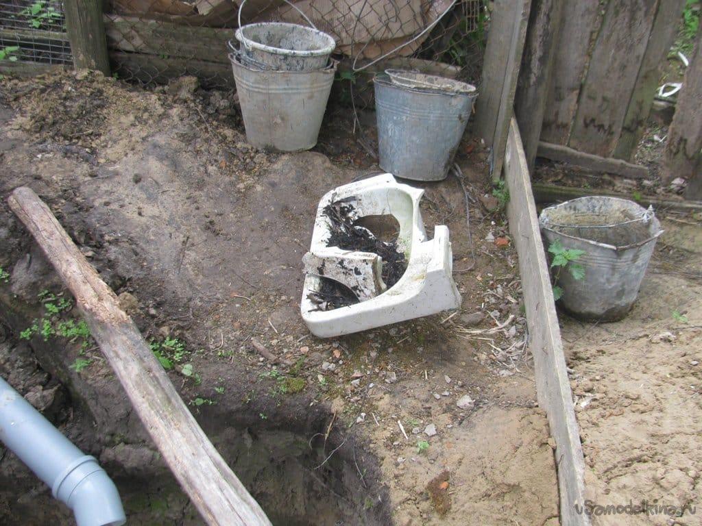 Cesspool alone made of old brick