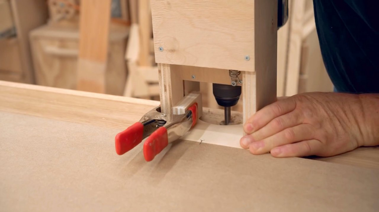 We build lifting stops in the workbench
