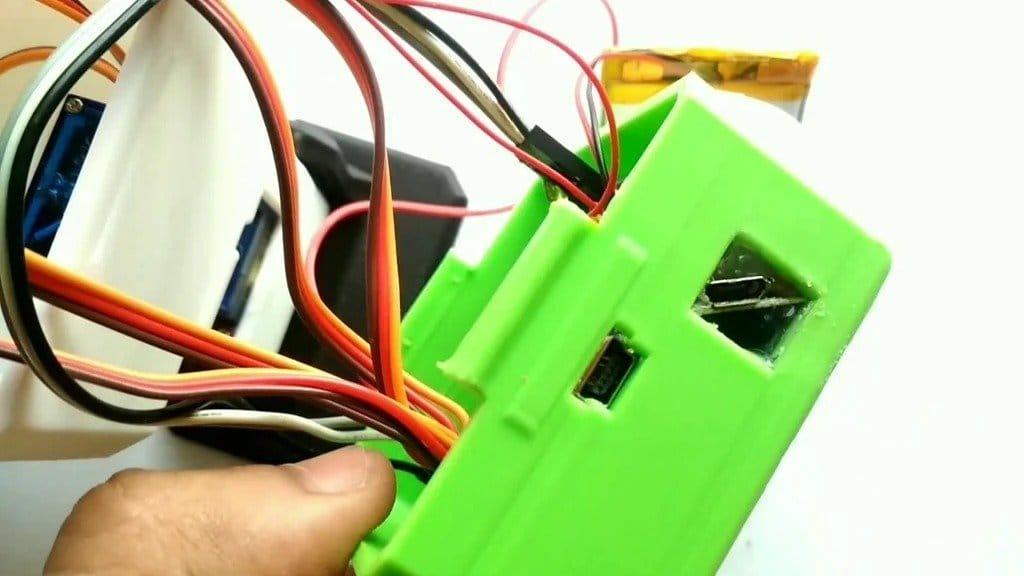 Simple robot on Arduino