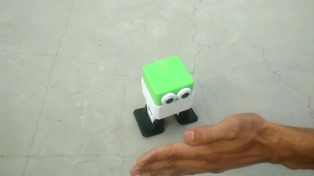 A simple robot on Arduino