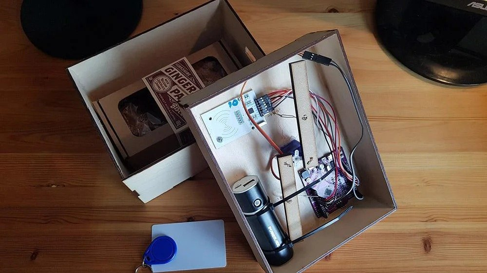 Arduino based RFID lock
