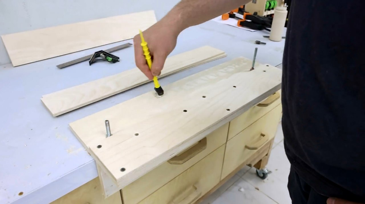 Making a carriage for machining ends on a circular saw