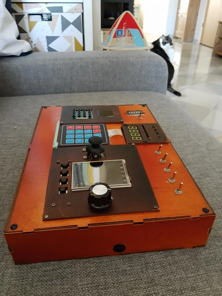 Electronic panel is a toy for children and experience for 'arduino'
