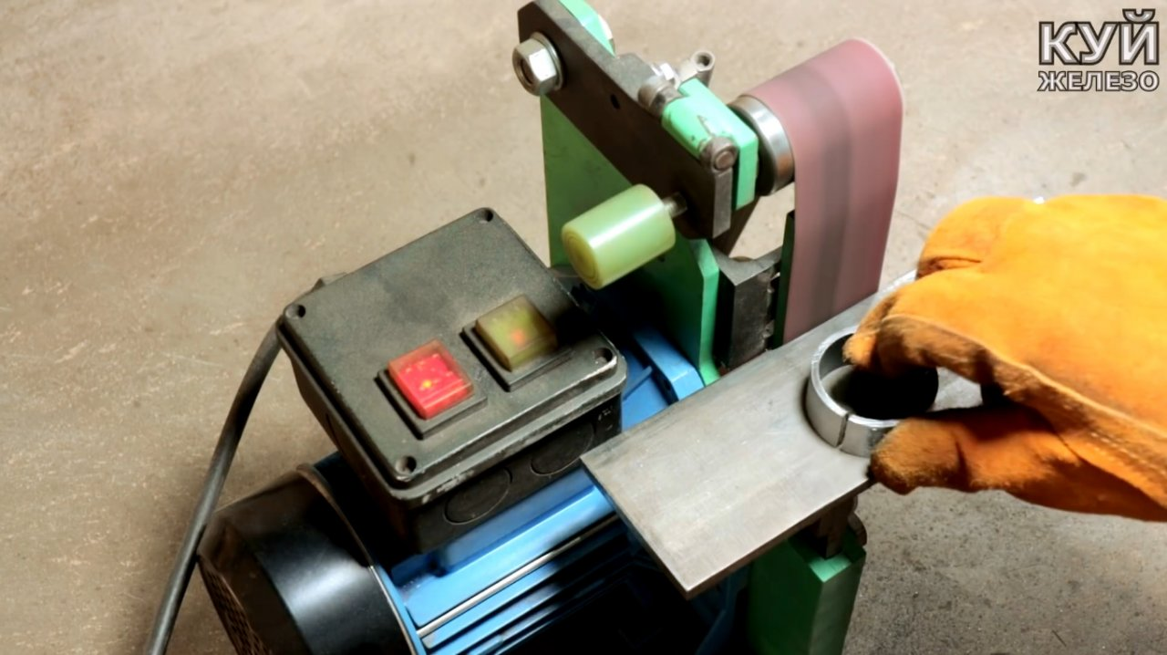 Electric grinder & mdash; attachment for the grinder with your own hands
